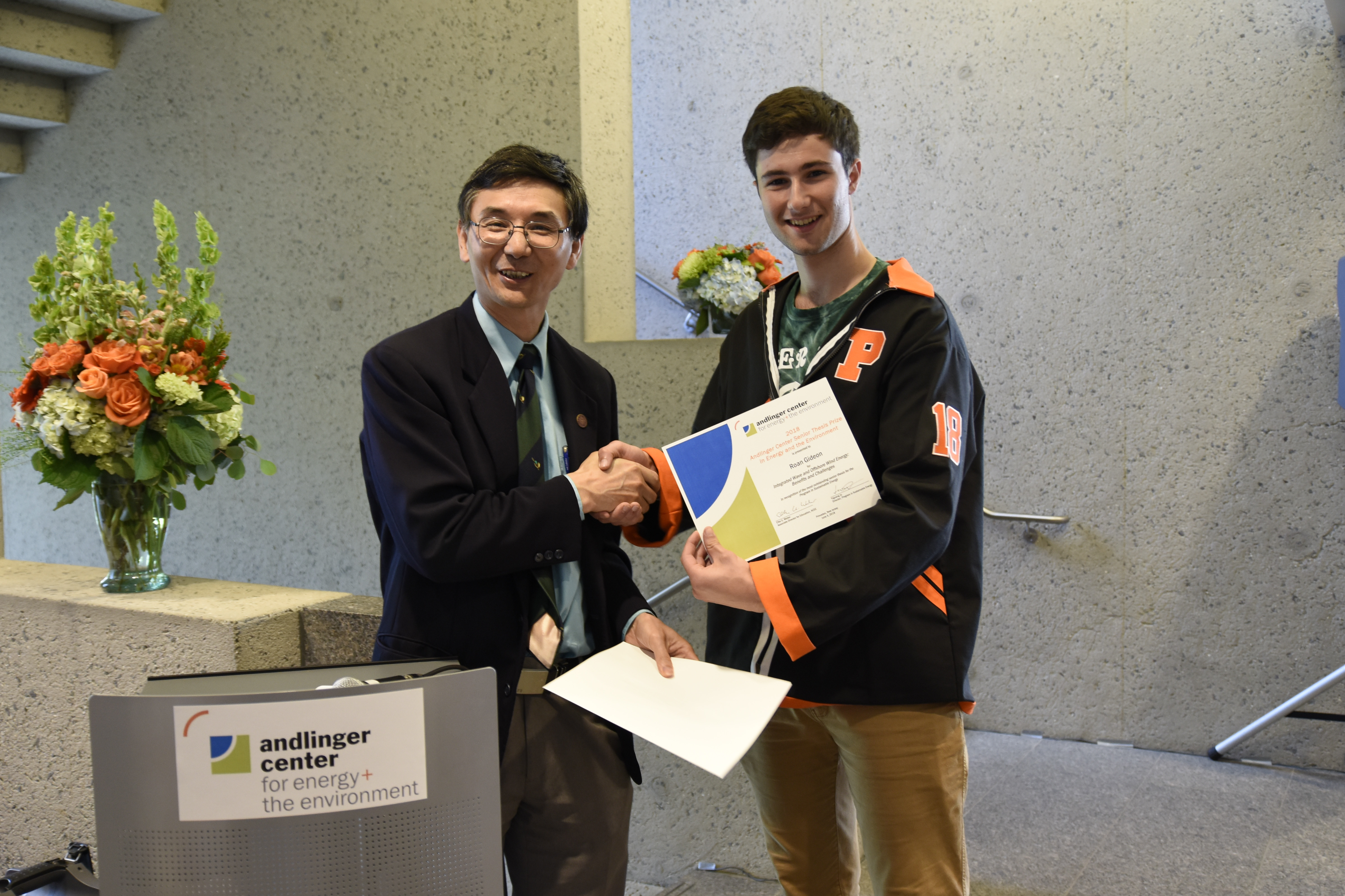 Roan Gideon '18 was awarded the inaugural Andlinger Center Senior Thesis Prize in Energy and the Environment by Prof. Yiguang Ju on June 4 at the Andlinger Center Class Day Reception for outstanding research in his senior thesis.